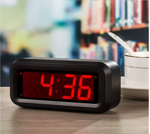 4.Digital Alarm Clock Battery Operated Only Small for Bedroom