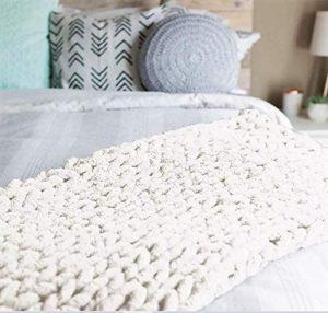 Abound Kingsize Chunky Knit Blanket