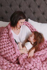 La Reine Large Chunky Knit Blanket