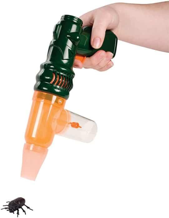 #7. Toysmith Bug Vacuum Set