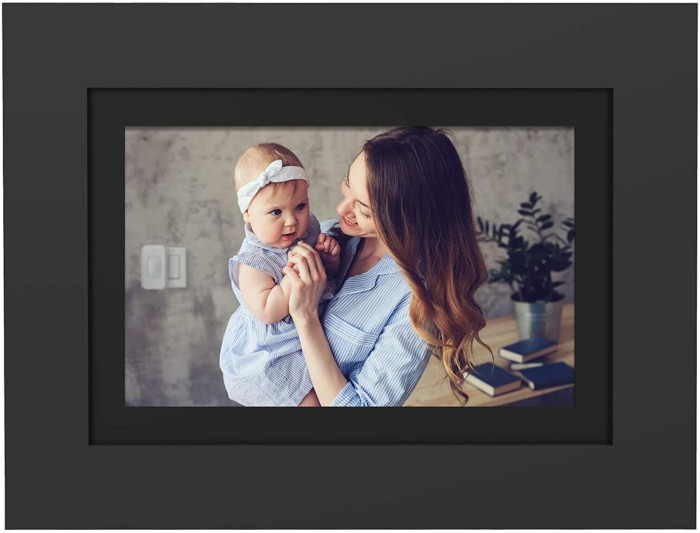 "PhotoShare Friends and Family Smart Frame 8"" Digital Photo Frame, Send Pics from Phone to Frame, Wi-Fi, 8 GB, Holds Over 5,000 Photos, HD, 1080P, Black/White Mattes, iOS, Android"