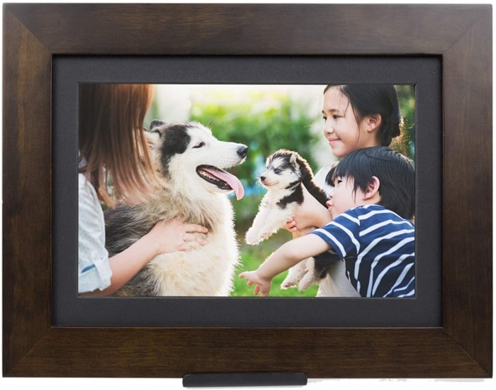 PhotoShare Friends and Family Smart Frame Digital Photo Frame, 1-5 Day Shipping, Send Pics from Phone to Frame